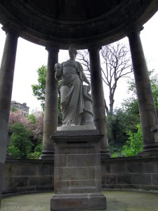 St Bernards Well / Statue of Hygieia