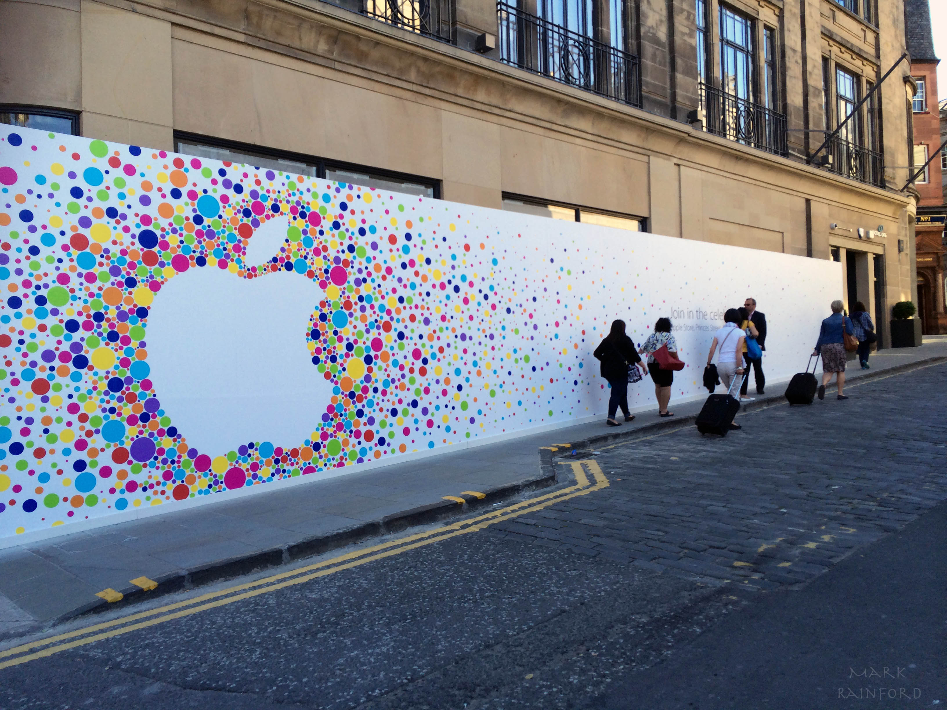 Apples worst kept secret eye on edinburgh for Apple boutique mural