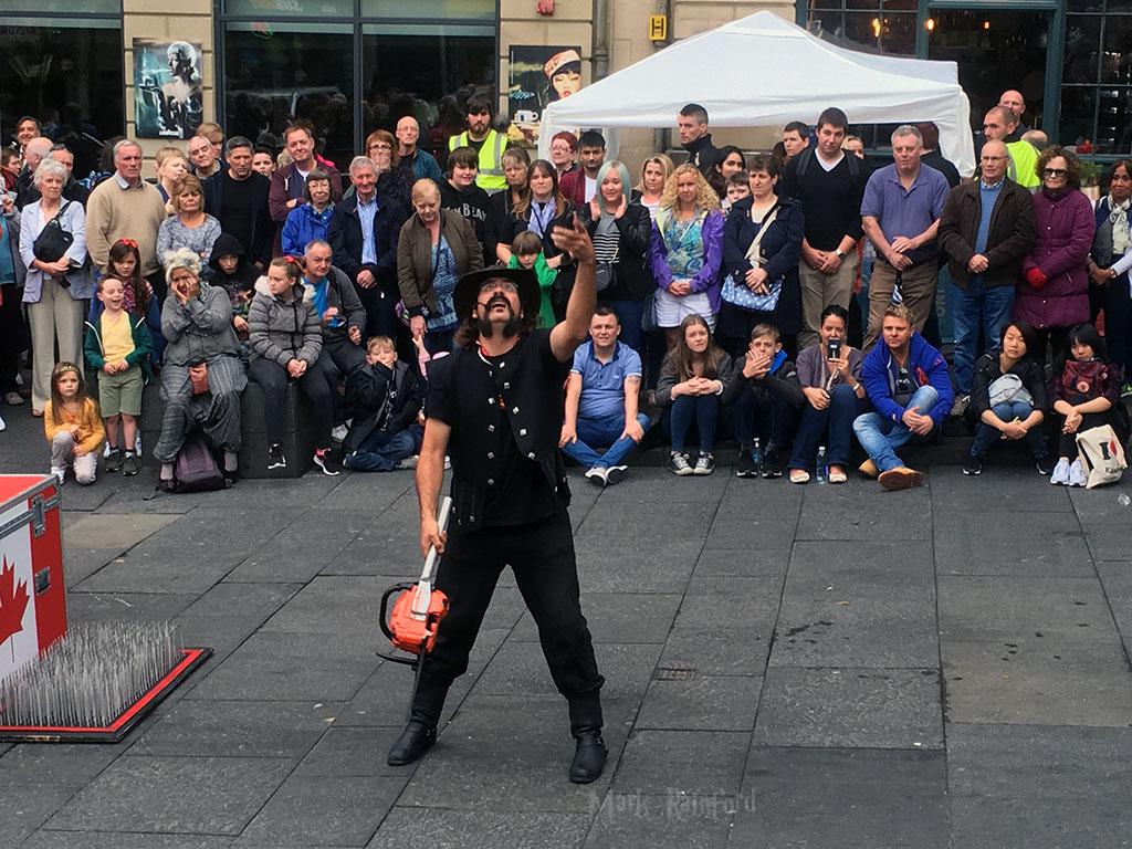 Edinburgh Festival 2016 – Chainsaw Juggler