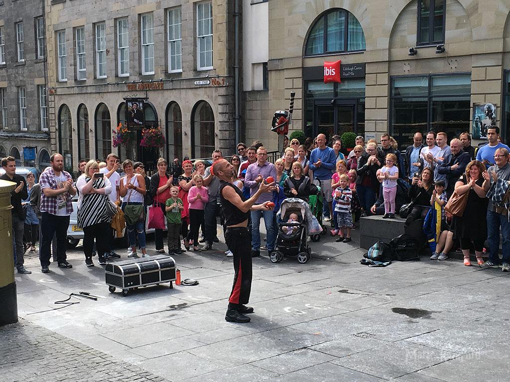 Edinburgh Festival 2016 - Chainsaw Juggler