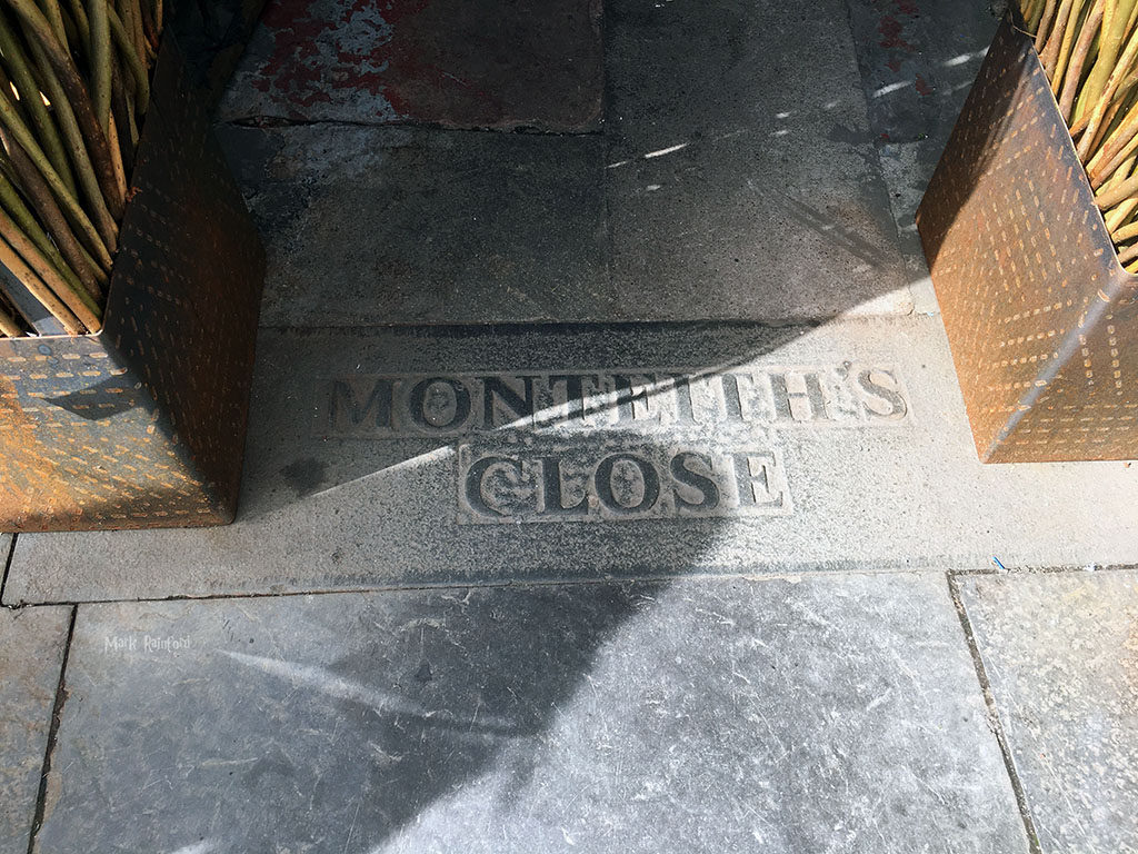 Monteiths Close