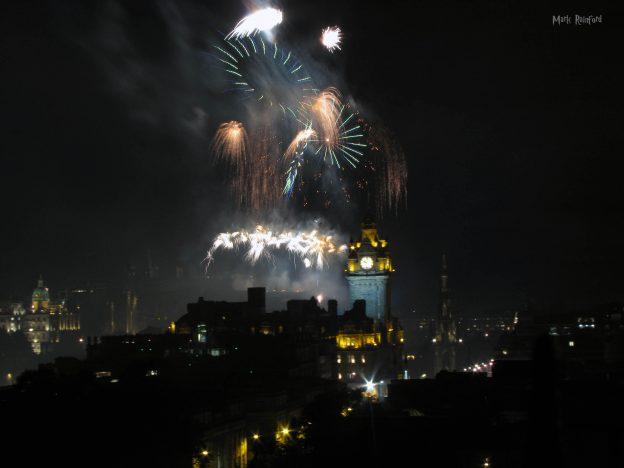 Festival Fireworks 2018 Green Orange